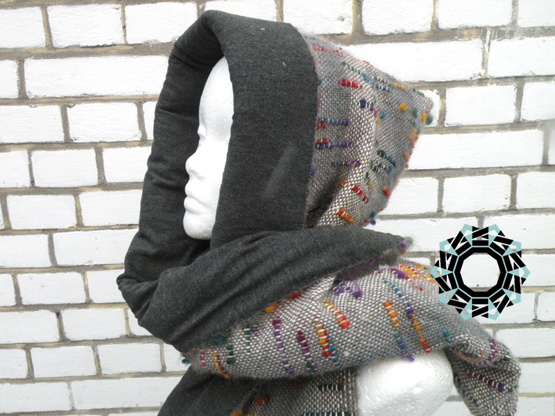 Gray scarf with hood and handwarmer / Szary szalik z kapturem i mufką by Tender December, Alina Tyro-Niezgoda