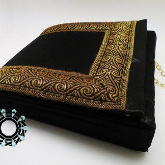 Golden frame evening bag / Wieczorowa torebka ze złotą ramą by Tender December, Alina Tyro-Niezgoda