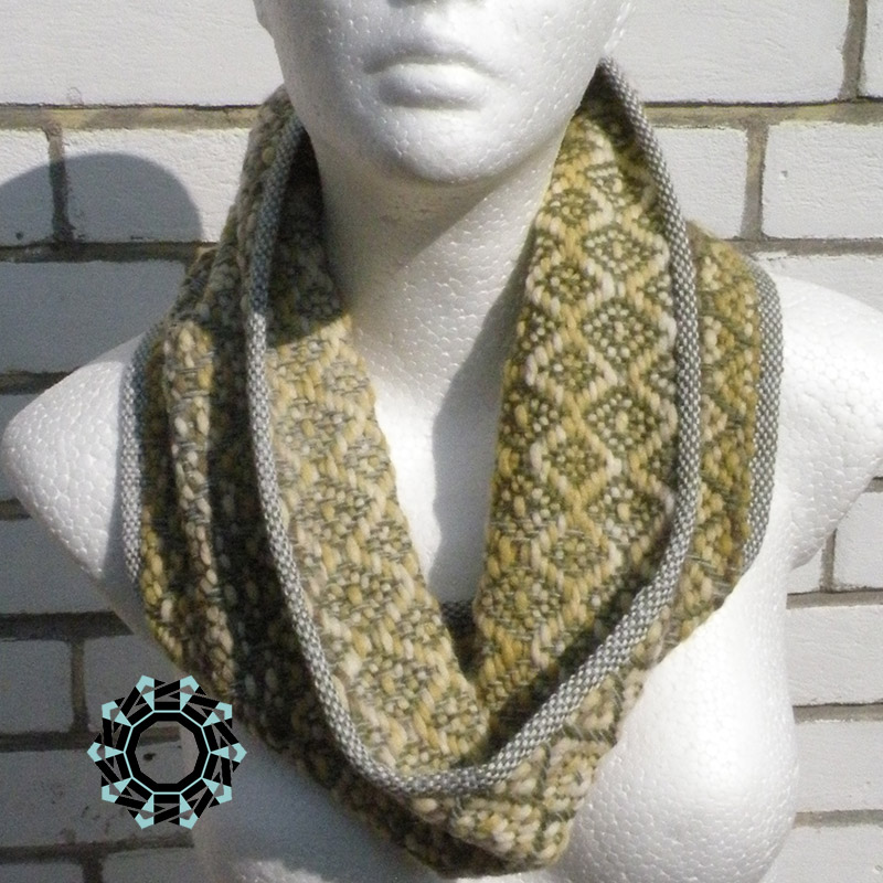Diamond-patterned, warm tube scarf / Ciepły komin w romby by Tender December, Alina Tyro-Niezgoda