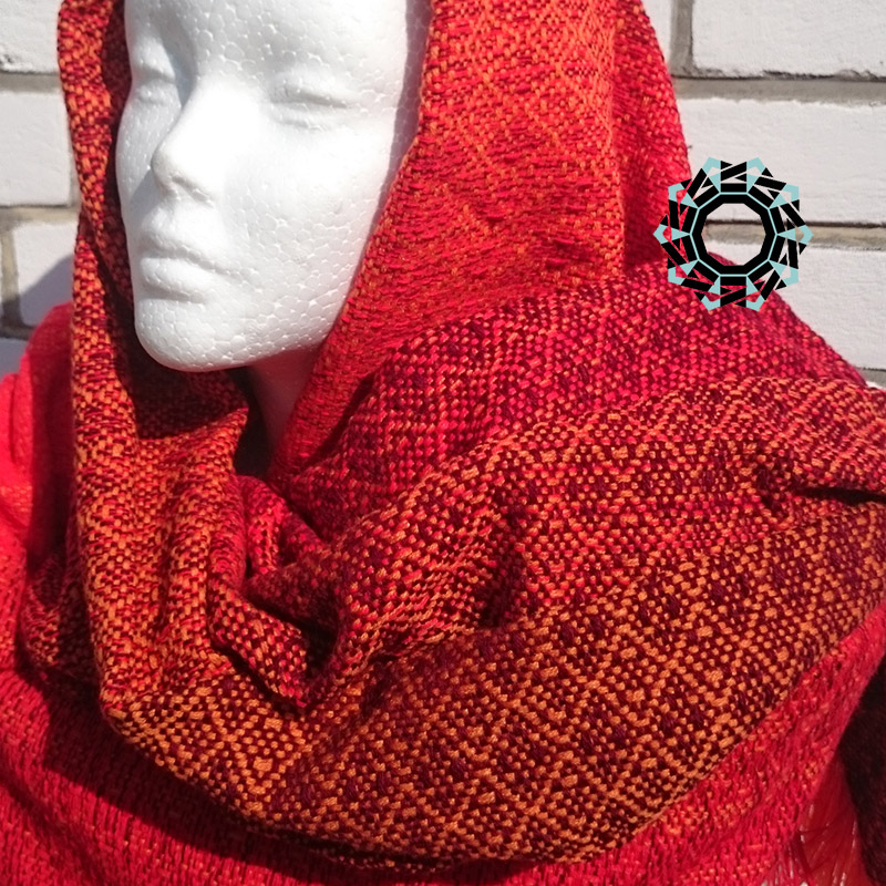 Acrylic XXL shawl in the color of orange, red and burgundy / Akrylowy szal XXL w tonacji pomarańczy, czerwieni i bordo