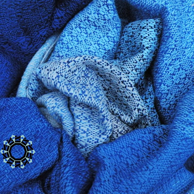 Tender December shawl