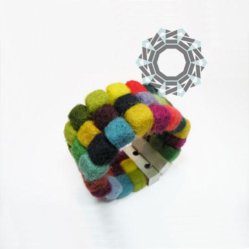 Felt bracelet / Filcowa bransoletka by tender December, Alina Tyro-Niezgoda