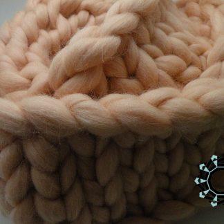 Mega-scale beige scarf / Kremowy szalik w mega skali by Tender December, Alina Tyro-Niezgoda