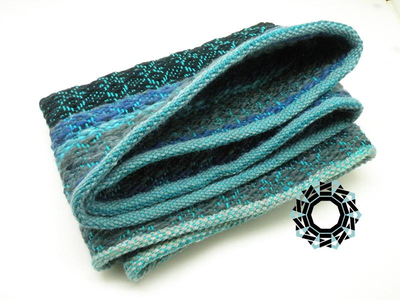 Star-patterned, warm tube scarf / Ciepły komin w gwiazdki by Tender December, Alina Tyro-Niezgoda