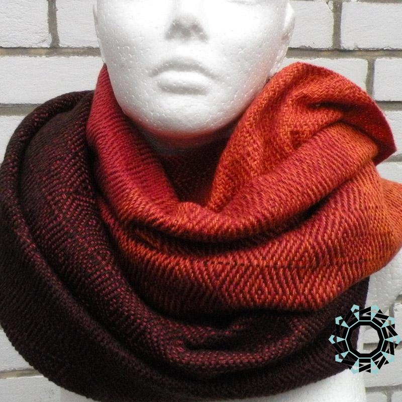 Cotton XXL shawl in the color of orange, red and brown / Bawełniany szal XXL w tonacji pomarańczy, czerwieni i brązów by Tender December, Alina Tyro-Niezgoda