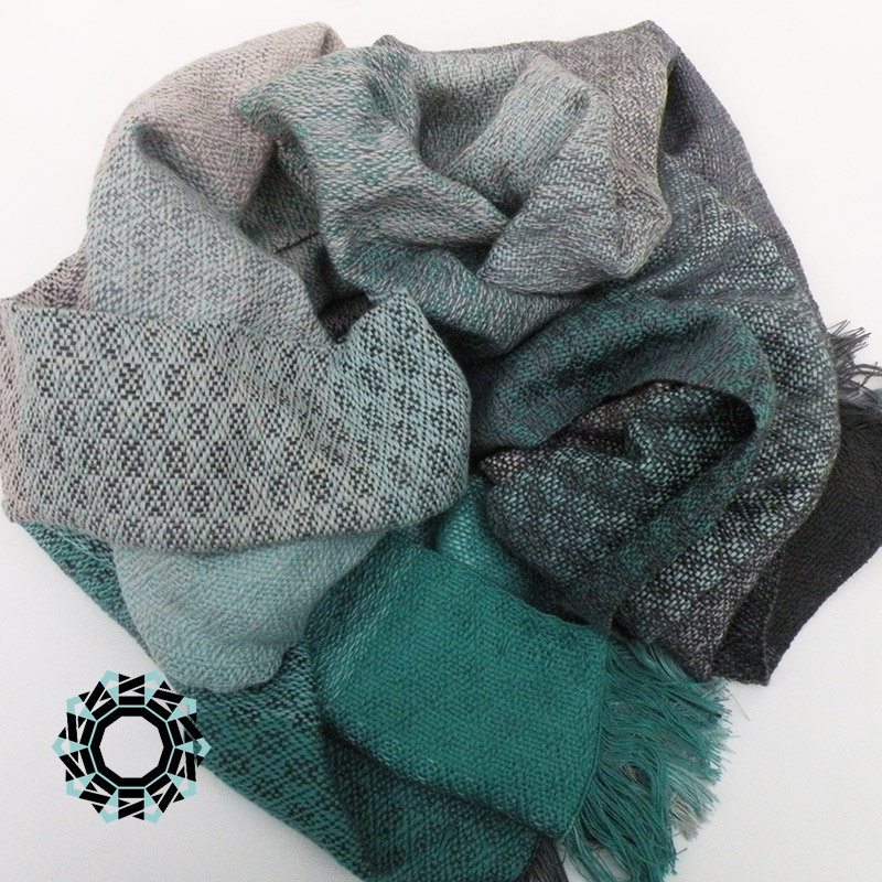 Cotton XXL shawl in the color of black and green / Bawełniany szal XXL w tonacji zieleni i czerni by Tender December, Alina Tyro-Niezgoda