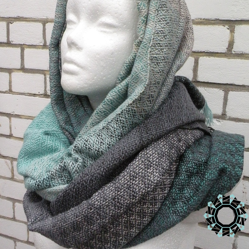 Cotton XXL shawl in the color of black and green / Bawełniany szal XXL w tonacji zieleni i czerni by Tender December, Alina Tyro-Niezgoda