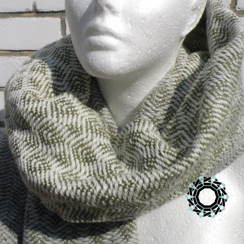 Acrylic XXL shawl in the color of cream, gray and khaki / Akrylowy szal XXL w tonacji kremu, szarości i khaki by Tender December, Alina Tyro-Niezgoda