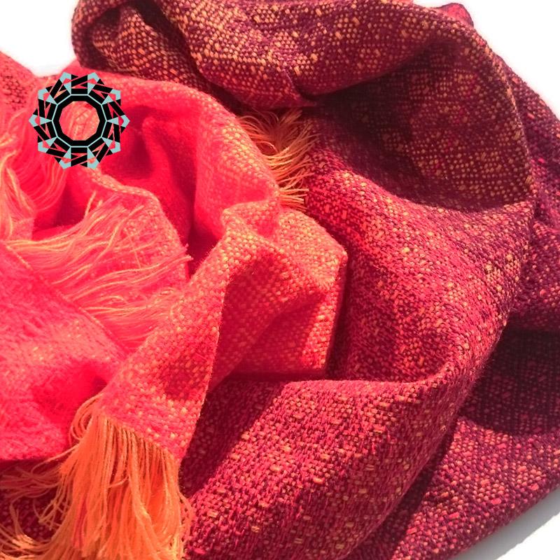 Acrylic XXL shawl in the color of orange, red and burgundy / Akrylowy szal XXL w tonacji pomarańczy, czerwieni i bordo