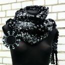 Handmade woven scarves by Tender December, Alina Tyro-Niezgoda