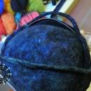 Felt handbag with a spotted inside / Filcowa torebka z wnętrzem w kropki by Tender December, Alina Tyro-Niezgoda,