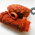 Beret and handwarmer in orange / Beret i mufka w pamarańczach by Tender December, Alina Tyro-Niezgoda